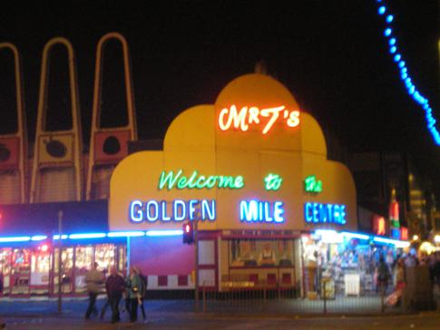 Die Golden Mile in Blackpool am Abend