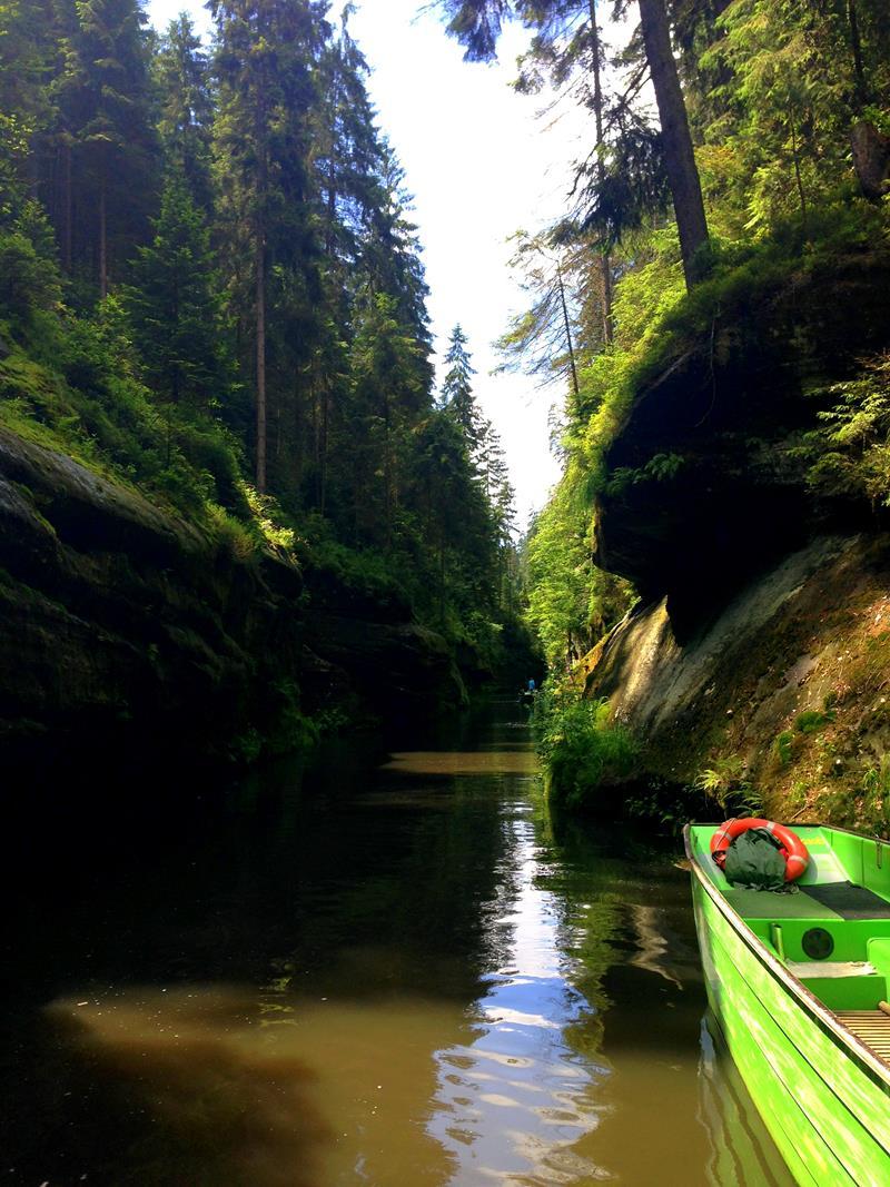 Kahnfahrt durch die Edmundsklamm in der Böhmischen Schweiz