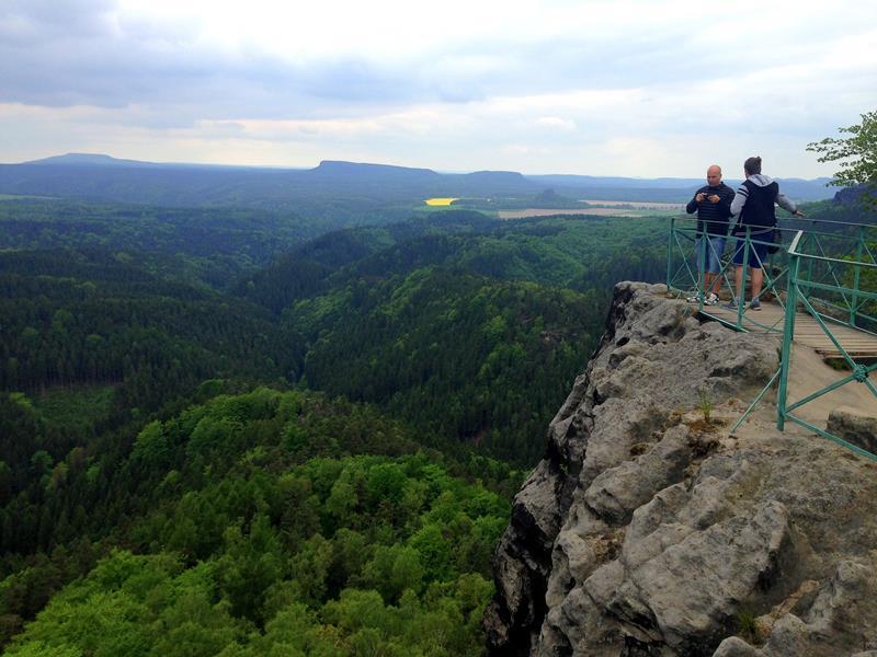 Aussicht vom Prebischtor auf die Böhmische Schweiz