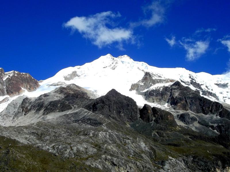Blick auf den 6.088 Meter hohen Huayna Potosi nahe La Paz