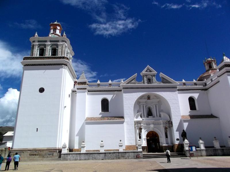 Die hübsche Kathedrale in Copacabana am Titicacasee