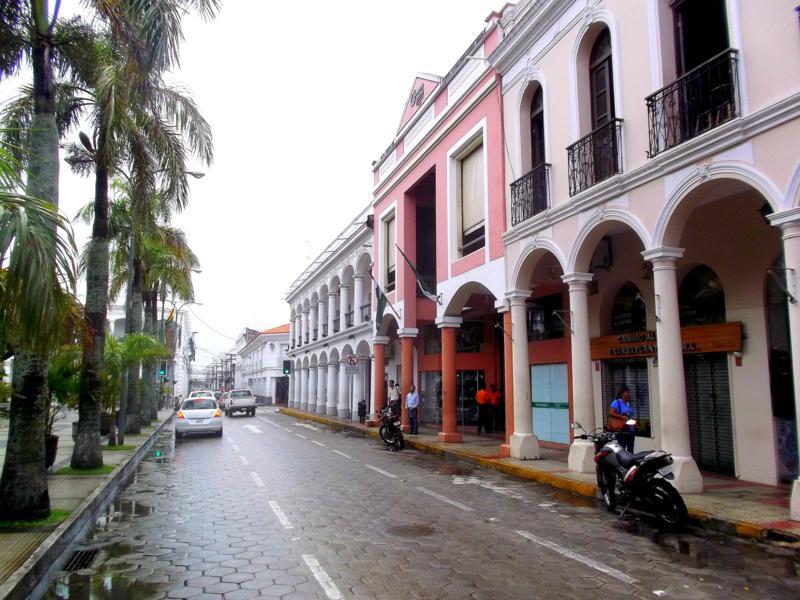 Die Altstadt von Santa Cruz de la Sierra im Osten von Bolivien