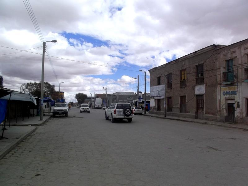 Das kleine Geisterstädtchen Uyuni - nicht viel los im Süden von Bolivien
