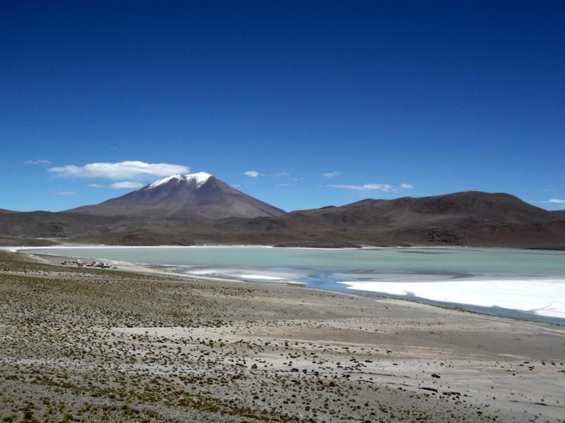 Die Laguna Chiarkota in der Salar de Uyuni