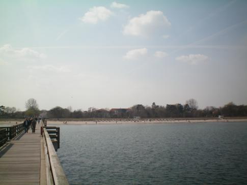 Die weit in die Ostsee hineinragende Seebrücke von Boltenhagen