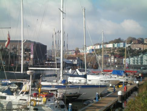 Yachten im Floating Harbour des River Avon in Bristol