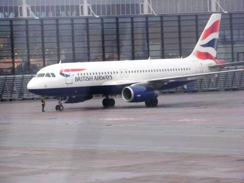 EIne British Airways Maschine am Flughafen Stockholm-Arlanda