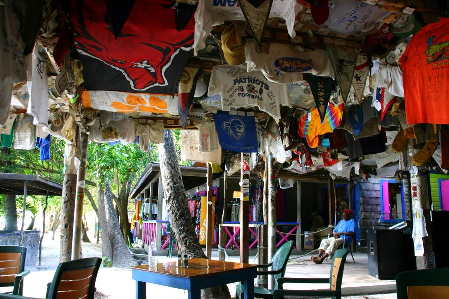 Foxys, die älteste Bar auf Jost van Dyke