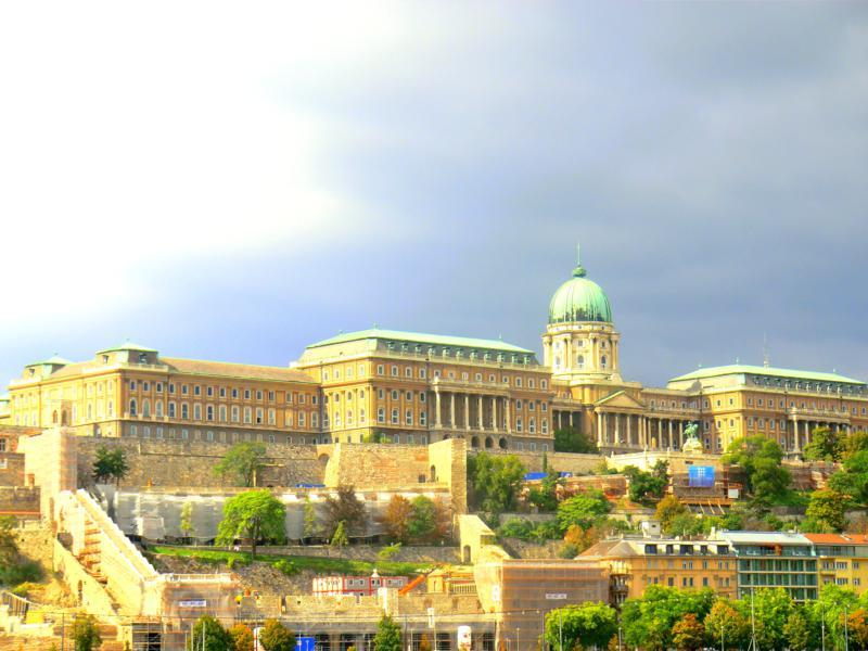 Der Burgpalast im Burgviertel von Budapest
