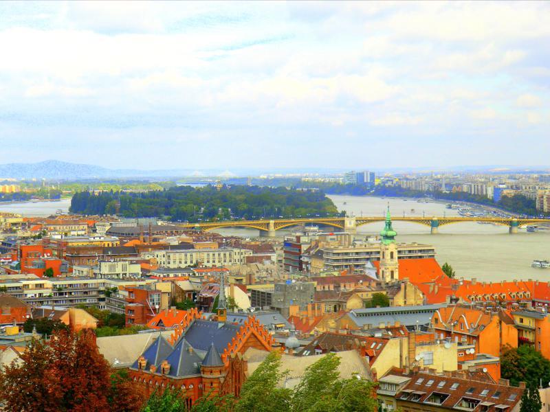 Ausblick von der Fischerbastei auf die Donau und die Margareteninsel