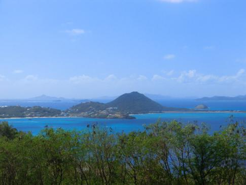 Ausblick von Canouan auf die Inseln Mayreau, Union Island, Petit Martinique und Carriacou