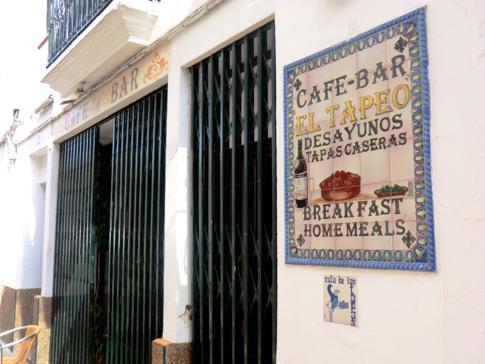 Eine typische Tapas-Bar im andalusischen Carmona nahe Sevilla