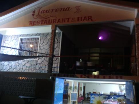 Das lokale Restaurant Laurena in Hillsborough, kurz hinter Ade's Dream
