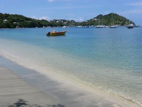 Die Tyrrel Bay - Anlegeplatz für viele Jachten - im Süden von Carriacou