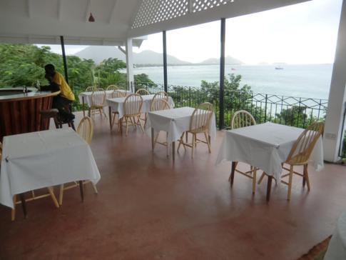 Das idyllische Restaurant im Green Roof Inn