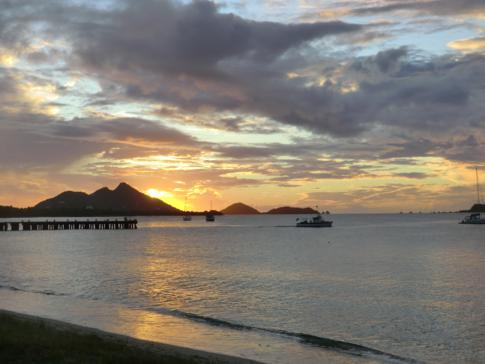 Sonnenuntergang auf Carriacou in der Hillsborough Bay
