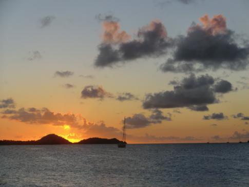 Sonnenuntergang auf Carriacou in der Hillsborough Bay