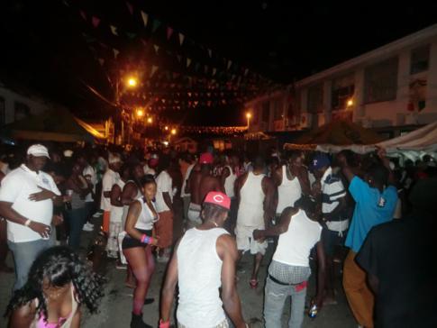 Karneval und Straßenparty auf Carriacou