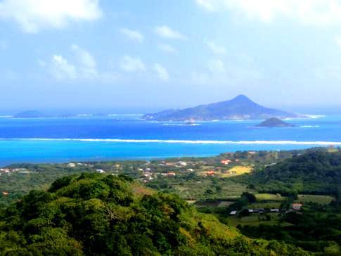 Ausblick von Belair auf Nord-Carriacou und Petit Martinique