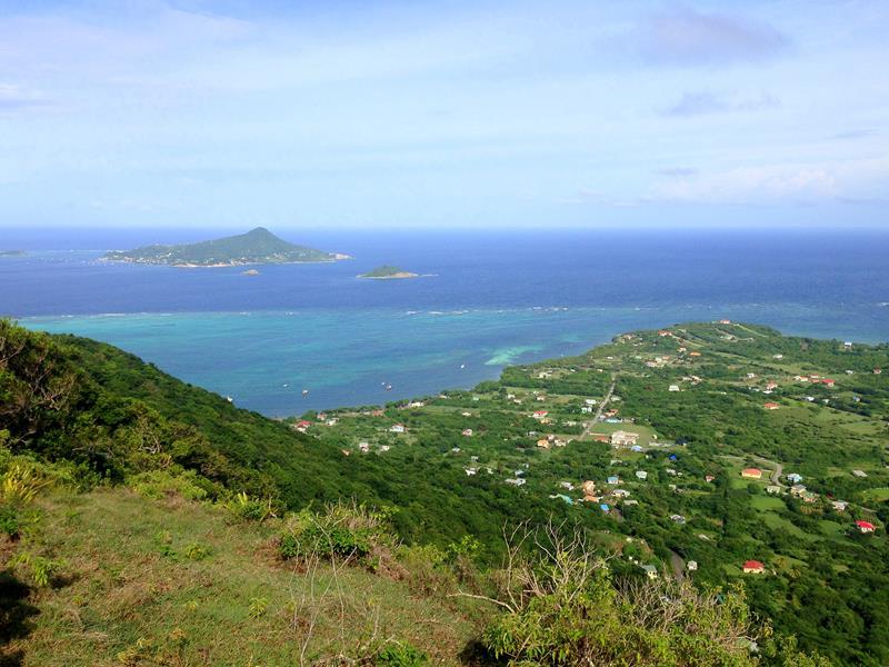 Ausblick auf Petit Martinique, die kleinste der drei bewohnten Inseln von Grenada