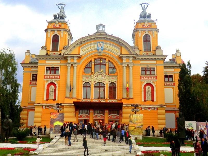 Das Opernhaus von Cluj am Piata Avram Iancu