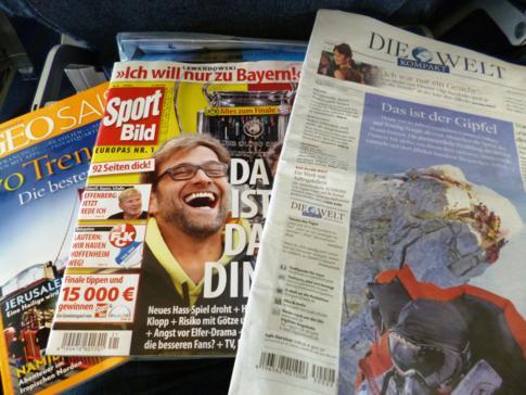 Inoffizielle Zeitschriftenauswahl bei Condor in der Economy Class