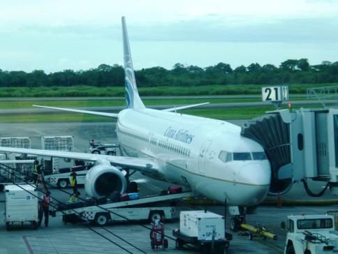 Eine Embraer der Copa Airlines in Panama City