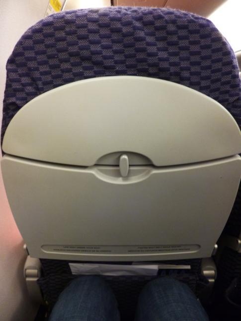 Sitzabstand bei Copa Airlines in der relativ neuen Embraer-Maschine