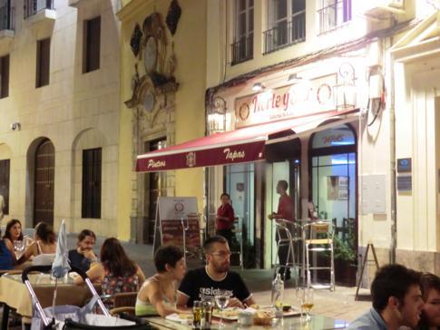 Typische Tapas-Bar in Cordobas Altstadt