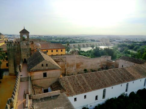 Ausblick vom Alcazar auf Cordoba und den Rio Guadalquivir
