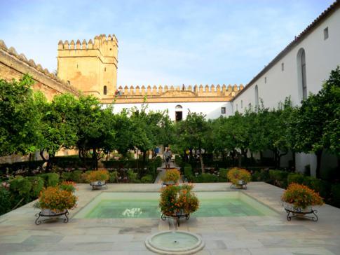 Die erhaltenen Bäder und Innenhöfe im Alcazar de los Reyes Christianos