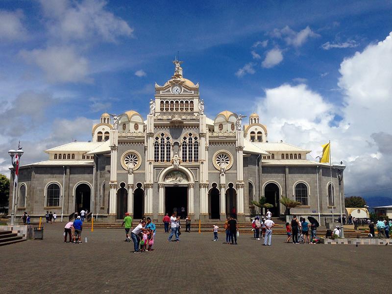 Die Basilika in Cartago auf dem Weg zum irazu-Vulkan