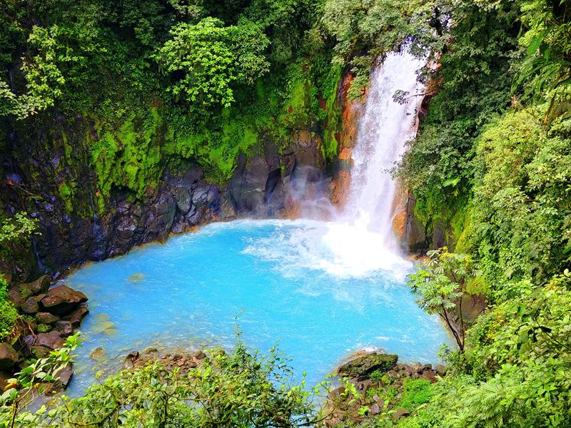 Der Catarata Rio Celeste im Tenorio Nationalpark