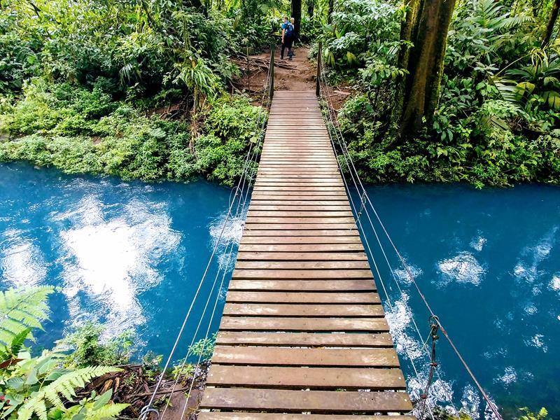 Der blaue Fluss des Rio Celeste im Tenorio National Park