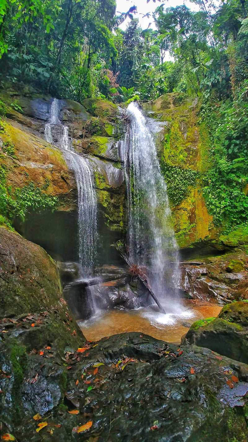 Der Bribri-Wasserfall im Südosten von Costa Rica