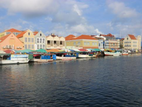 Der Floating Market von Curacao