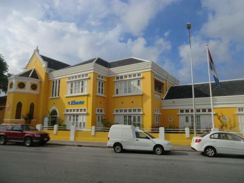 Historisches Gebäude in Willemstad im Stadtteil Pietermaai
