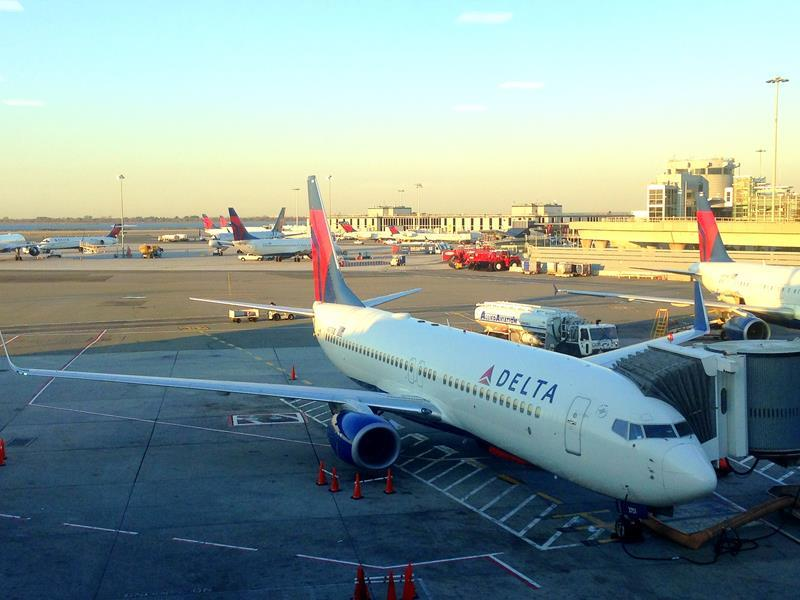Flug mit Delta Airlines in der Economy Class von Santo Domingo via New York nach Las Vegas