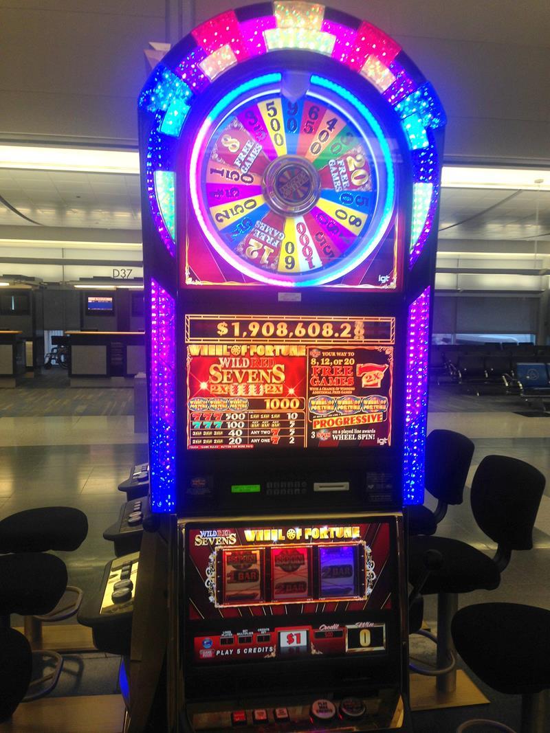 Ankunft in Las Vegas, wo gleich am Flughafen die Spielautomaten warten