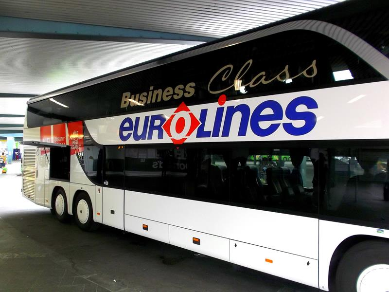 Ein Bus von Eurolines in Berlin