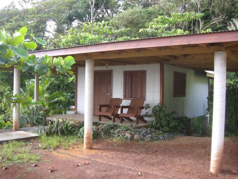 Eine der Cabanas im Pagua Bay House, Dominica
