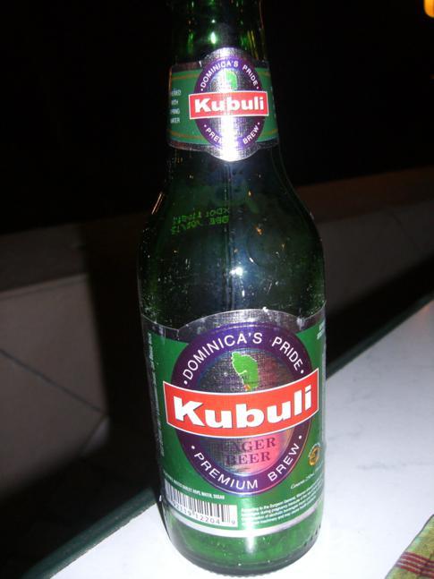 Kubuli, das Nationalgetränk und -bier in Dominica