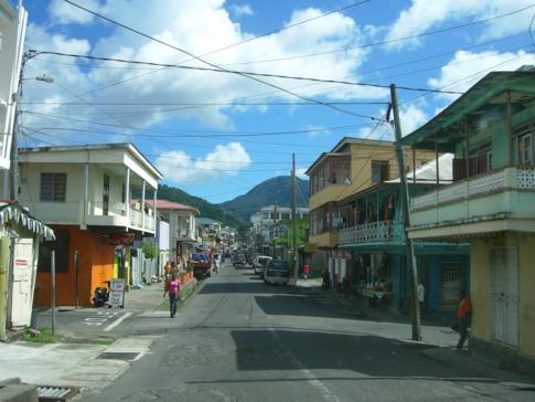 Kurzer Blick in das Zentrum der Inselhauptstadt Roseau