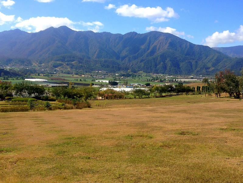 Das wunderschöne Constanza inmitten der Cordillera Central