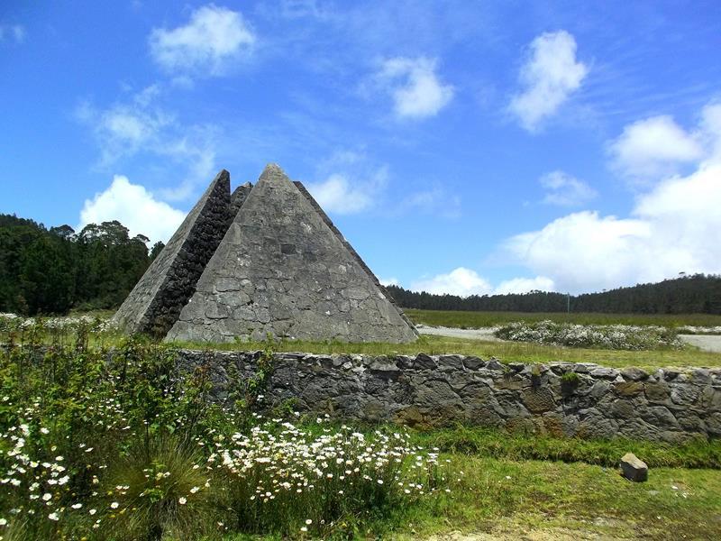 Die Pyramide im Mittelpunkt der Dominikanischen Republik