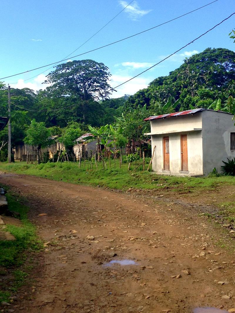 Das kleine Örtchen Magua zwischen Miches und Sabana de la Mar
