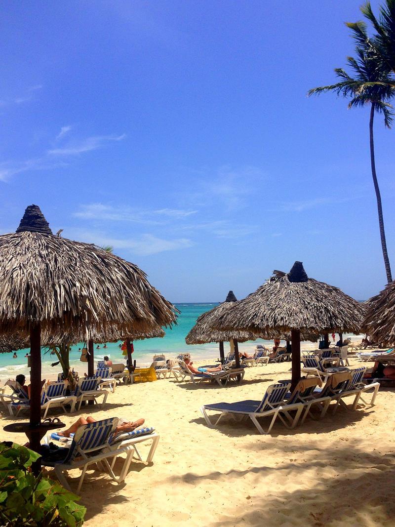Der Strand am Luxury Bahia Principe Ambar in Punta Cana