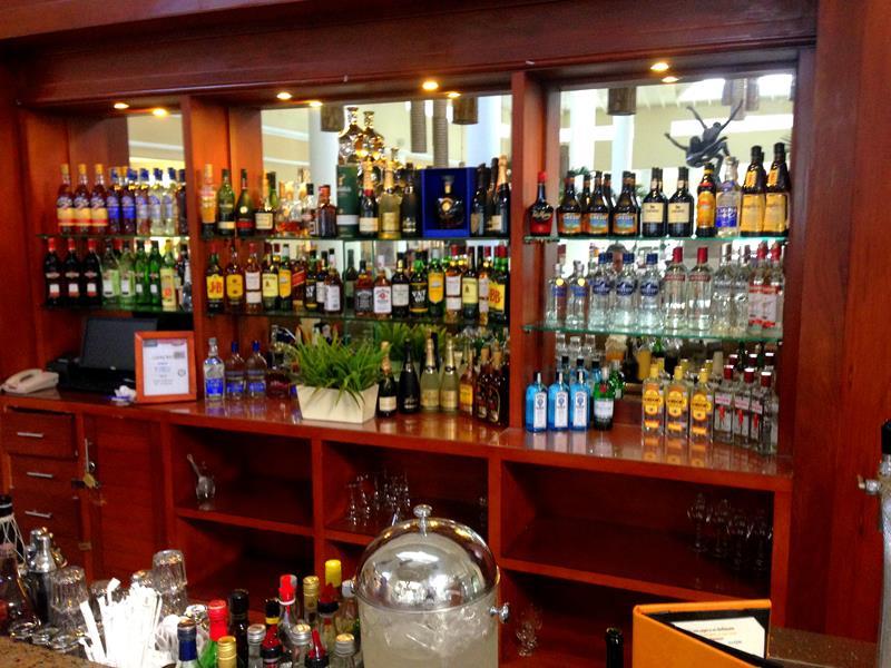 Bar im Luxury Bahia Principe Ambar in Punta Cana