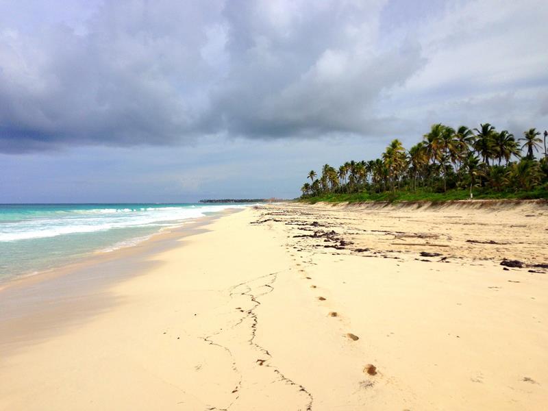 Einsamer Strand in Macao, im Großraum Punta Cana