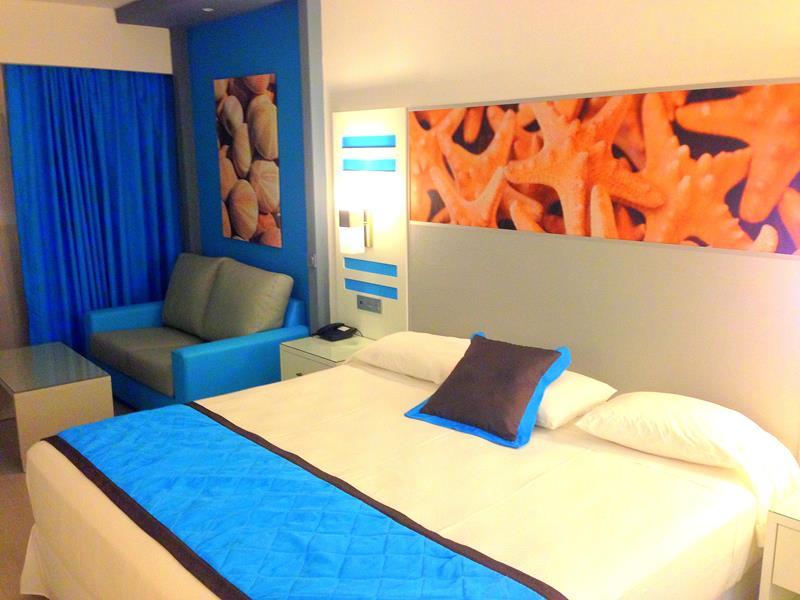 Moderne Zimmer im RIU Republica in der Dominikanischen Republik
